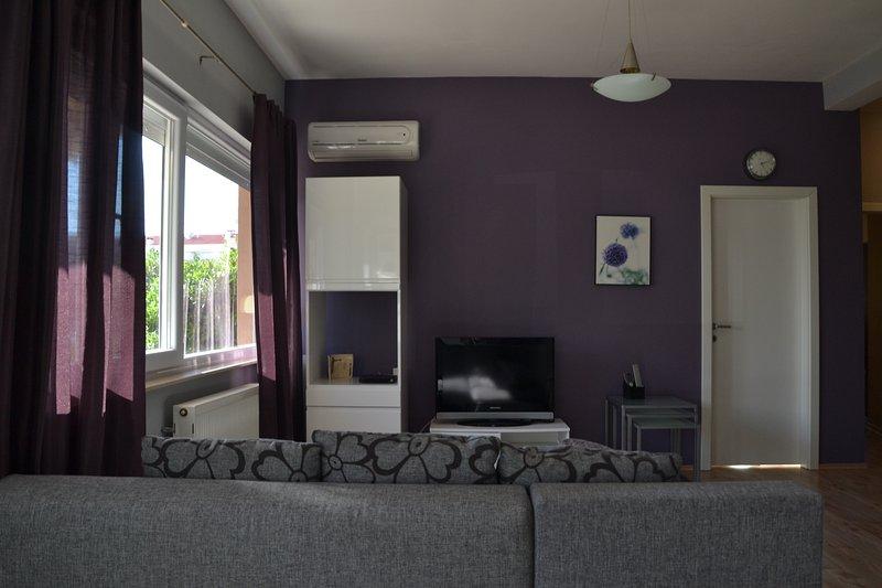 Superb Two Bedroom Melole Apartment Diklo Zadar, vacation rental in Diklo