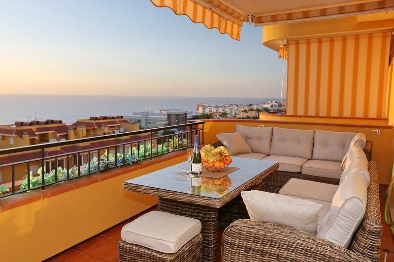 New modern duplex in complex Playa la Arena 047, Ferienwohnung in Puerto de Santiago