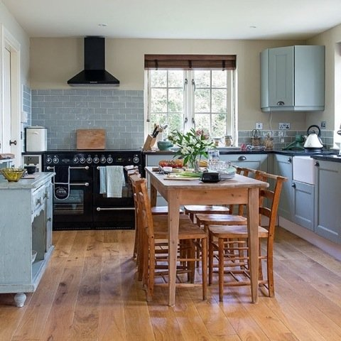 Newly renovated and fully equipped kitchen, with fantastic views. Dining room table seating six.