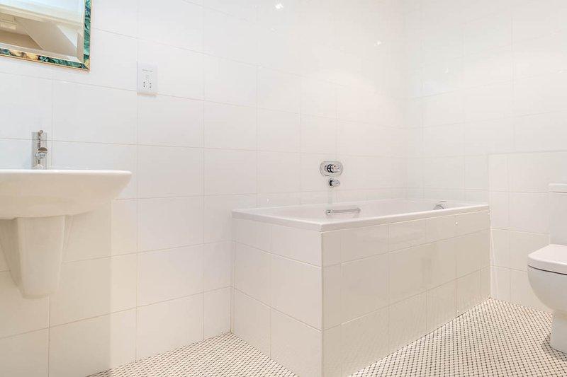 La salle de bains familiale - se détendre dans ce bain de luxe