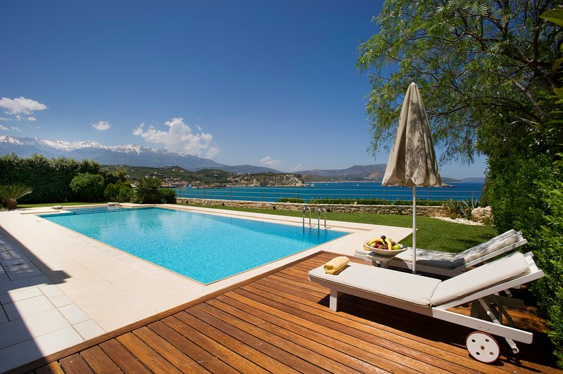 Ammos villa sea front steps from the beach -heated Pool -sleeps 6-7 people, holiday rental in Almyrida