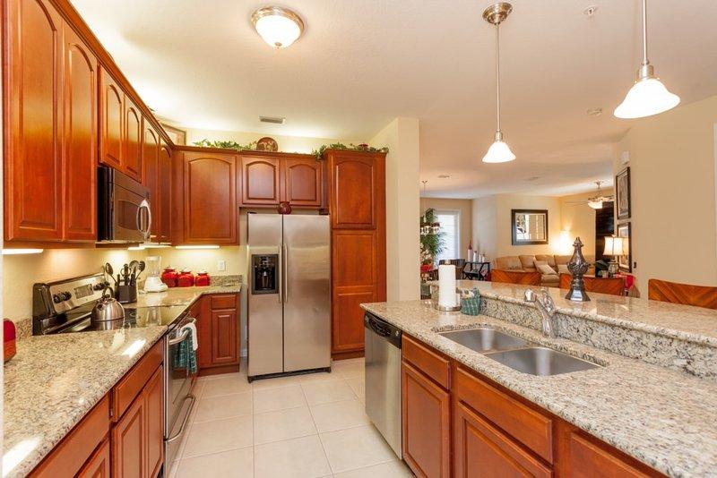 Oven,Indoors,Kitchen,Room,Cabinet