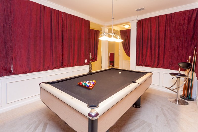 Furniture,Table,Tabletop,Light Fixture,Indoors