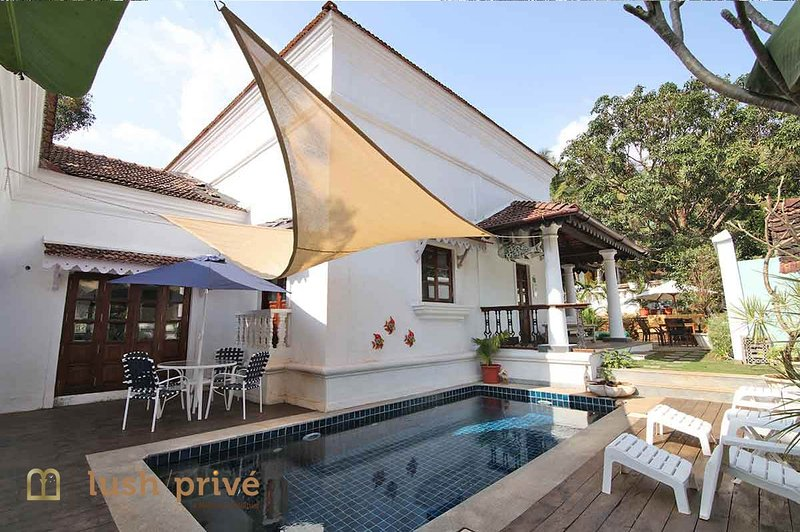 River View Luxury Pool Villa / 3 Double Bedrooms, holiday rental in Marra