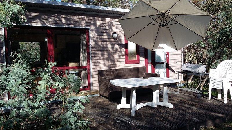 Location saisonniere de mobil home pour 8 personnes, holiday rental in Villelongue-dels-Monts