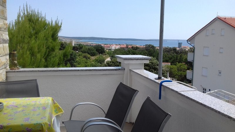 Sweet apartment with beautiful panorama view G7/Closest to party beach Zrće, holiday rental in Gajac