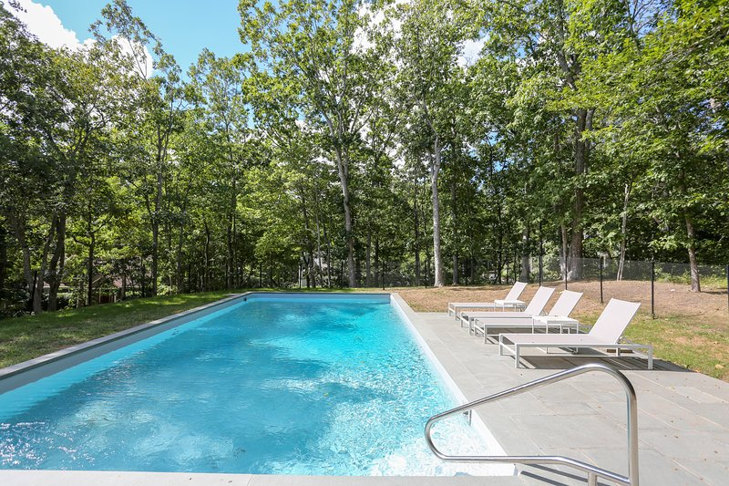 Montauk 6 br 4 bath house w pool beach pass updated - Summer house with swimming pool review ...