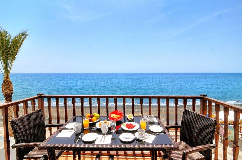 Myrtos Mare Beachfront Maisonette, holiday rental in Tertsa