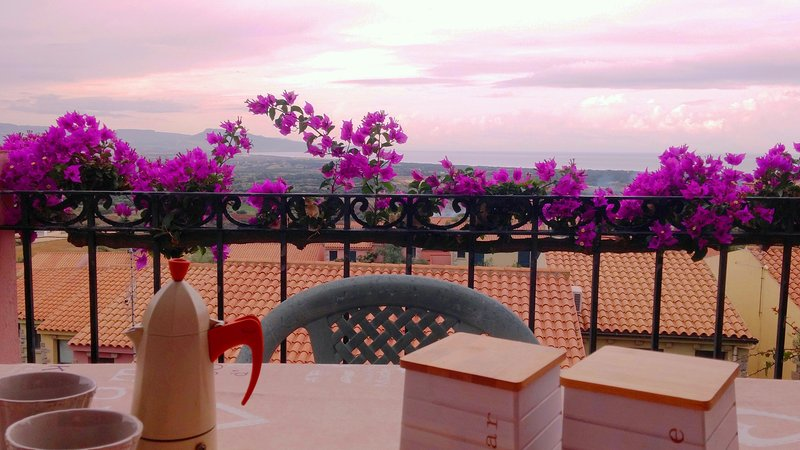 Casa Romantica con vista Mare e Piscina, vacation rental in Badesi