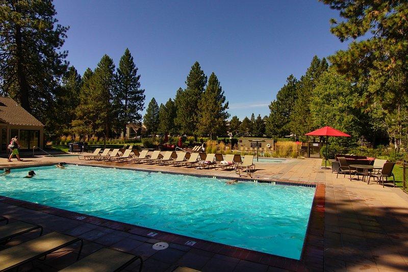 2 zwembaden en 3 bubbelbaden zijn verwarmd het hele jaar door