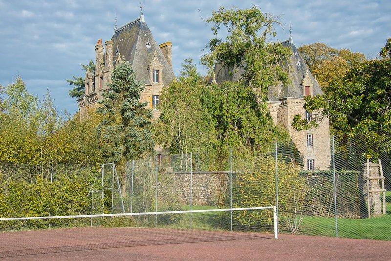 La pista de tenis / Le Court de tenis