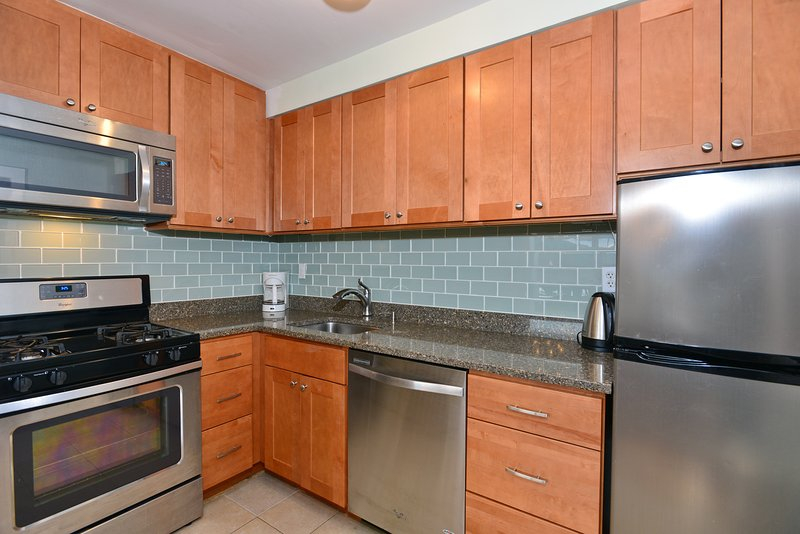brand new full kitchen with all new appliances