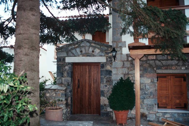 Traditional Marble Home, holiday rental in Vytina