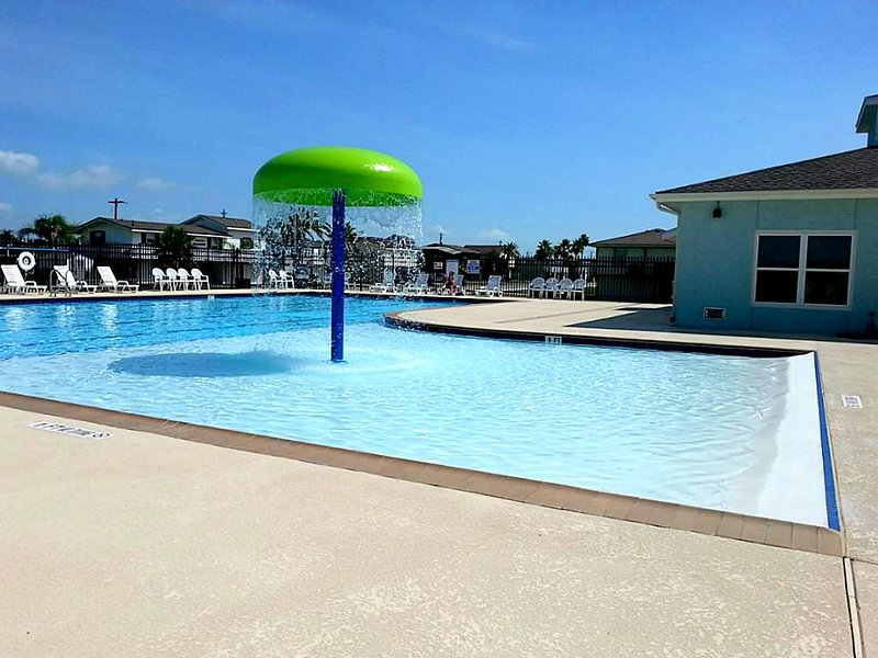 The Jamaica Beach pool & community playground are a 5 minute walk from the house.