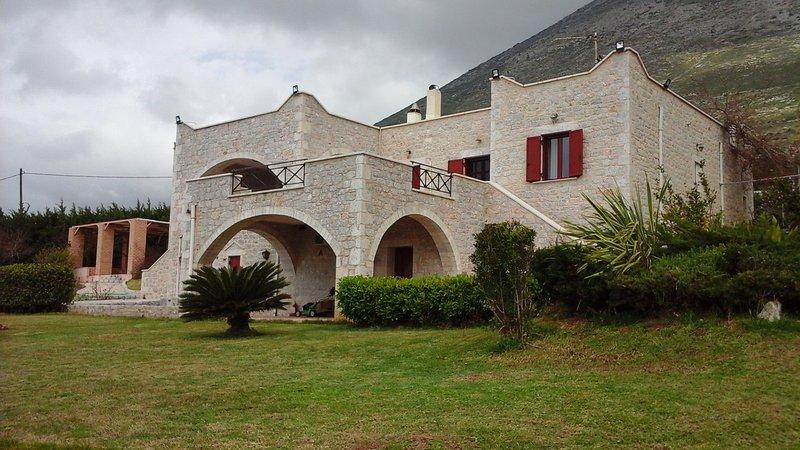villa fivos, holiday rental in Vathia