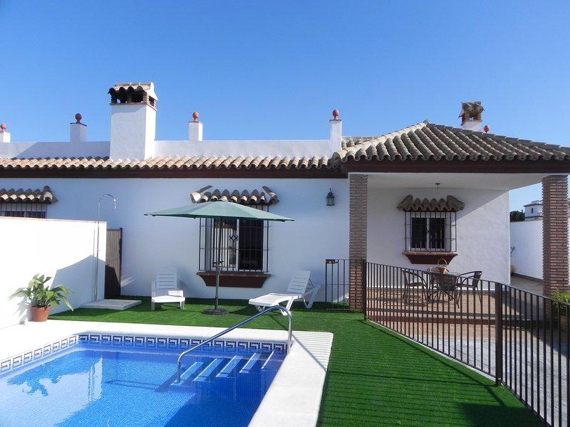 casa Paqui y piscina