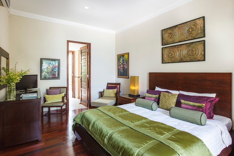 The Hideaway Suites Boutique Guesthouse - KING, vacation rental in Choeng Mon