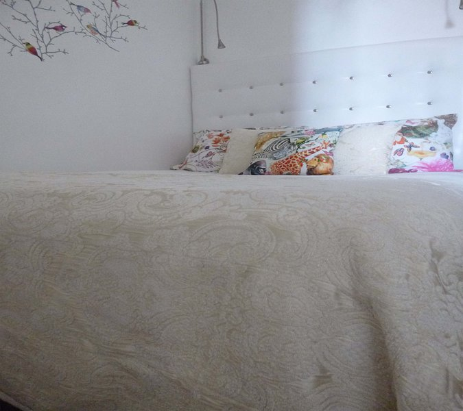 Bedroom . double bed