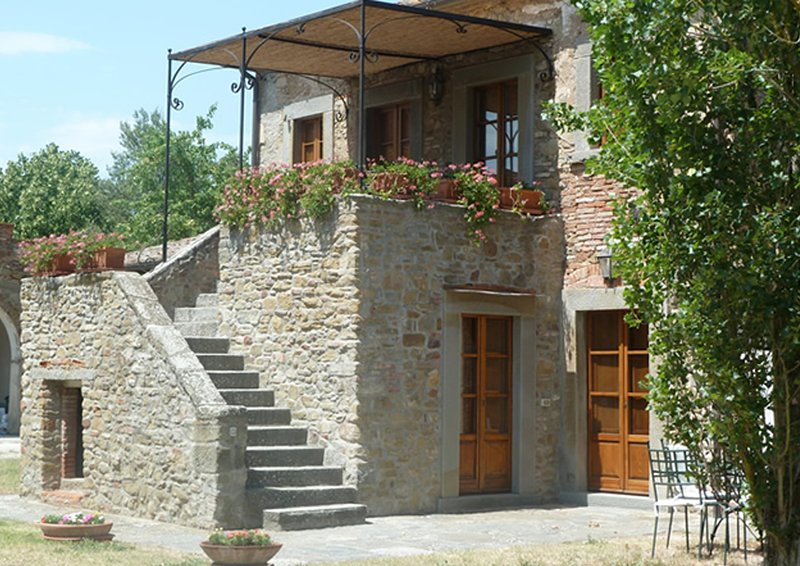Case Sant'Anna 18 Posti, holiday rental in Pietraia