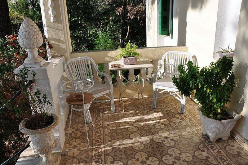 Century Villa at the heart of Arcadia, holiday rental in Vytina