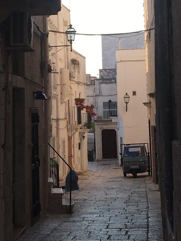 Tipica strada Cisternino