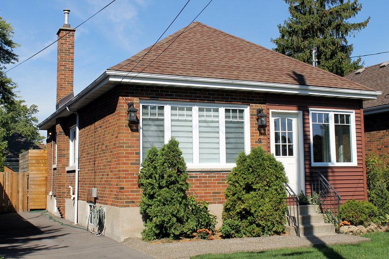 This cozy bungalow is in one of the best neighbourhoods in the city.  Parking is in the driveway.