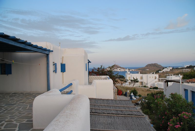 Estiades Studios is a apartment only 200m from the beach , fishing tourism ect., vacation rental in Mykonos Town