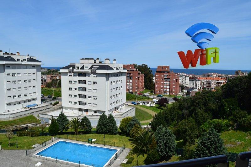 Apartamento con Piscina 2 Terrazas Vistas y WIFI, holiday rental in Cantabria