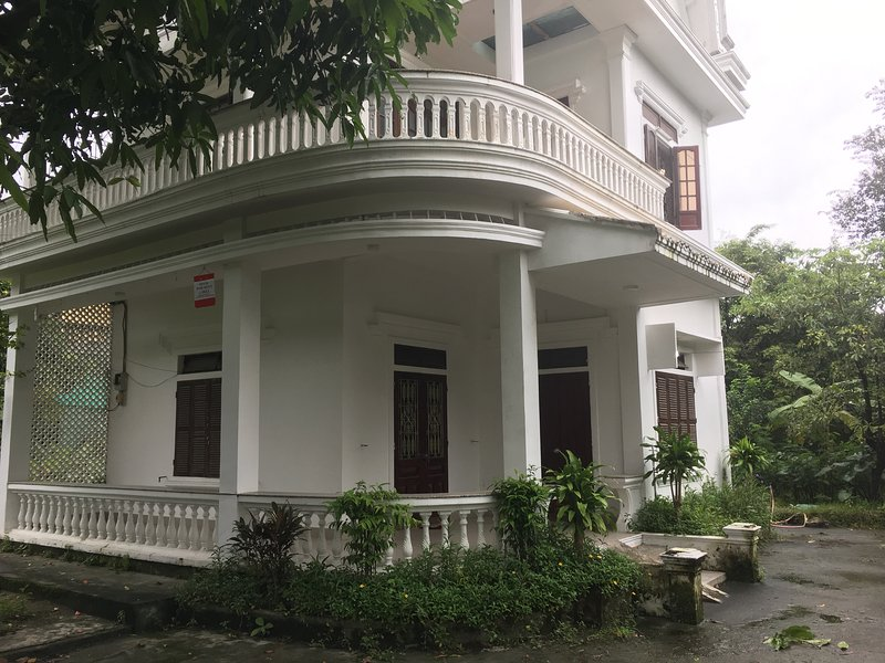 LENA Mango Villa, holiday rental in Hue