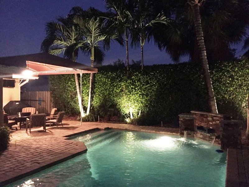 Luxury & Comfort Are Combined In This Beach House!, holiday rental in Lauderdale-By-The-Sea