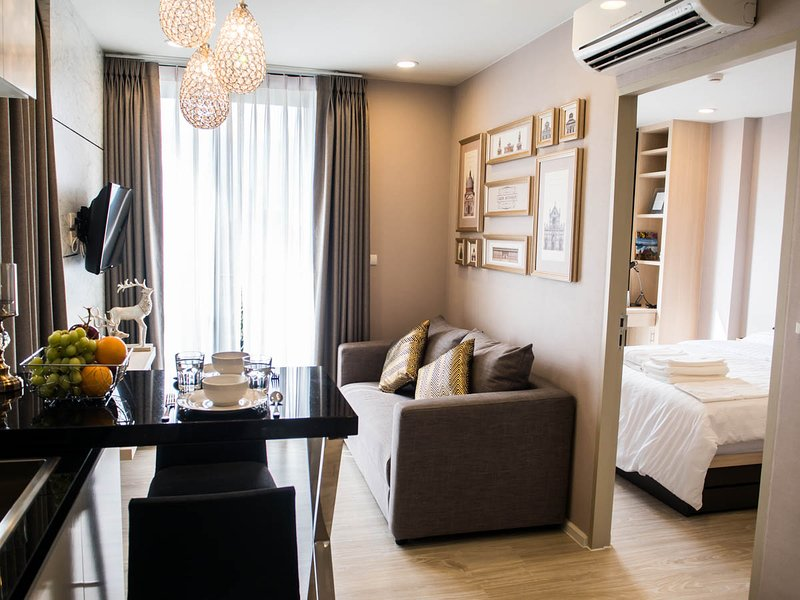 Brand-new room in hippest area., holiday rental in Chang Phueak