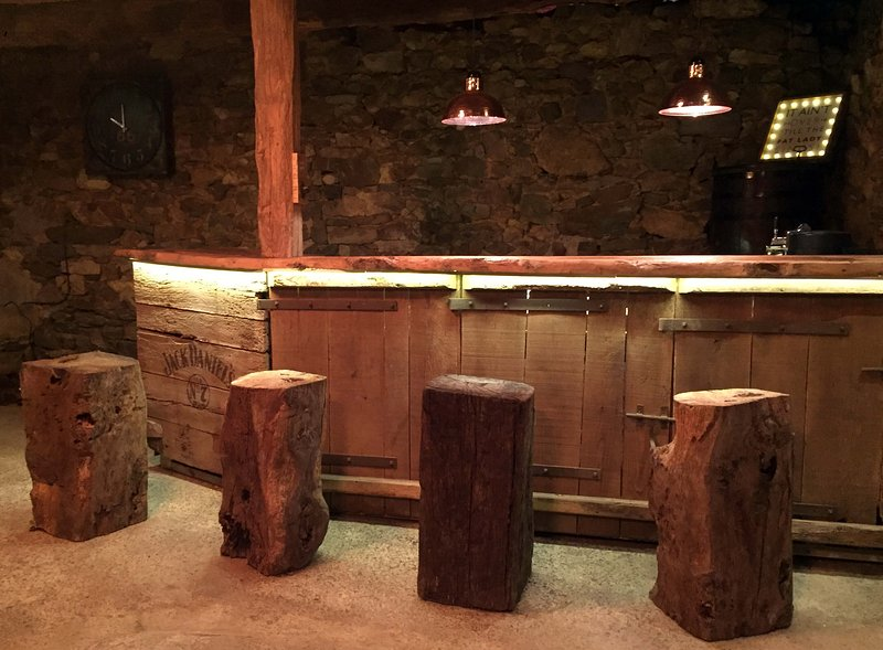 bar in the newly renovated 15th Century Barn