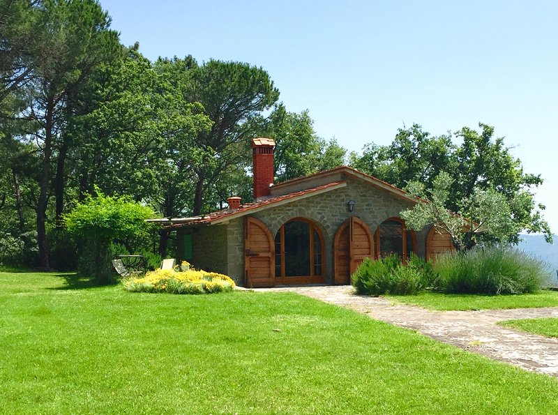 Villa with pool in the heart of Tuscany, holiday rental in Bagnena