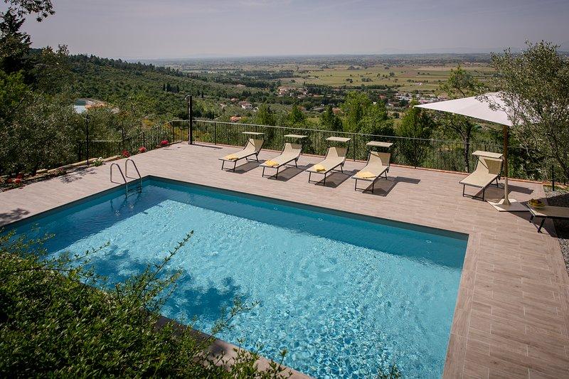 CASOLARE IL CONDOTTIERO HOLIDAY HOUSE, holiday rental in Castiglion Fiorentino