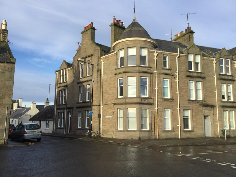 Apartment is on ground floor with bay window overlooking River Tay.