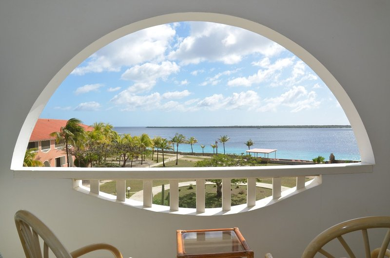 Recentemente renovados vistas desobstruídas para o mar cheio verificar o tour virtual no you tube Sand Dollar F10