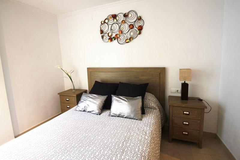 Apartamento CasaTuris Alicante de 3 hab y terraza, vacation rental in Tibi