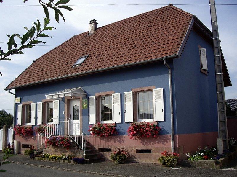 Gite-Halmer Appartement 3 étoiles sur la route du vin d' Alsace à Bergholtz, casa vacanza a Guebwiller