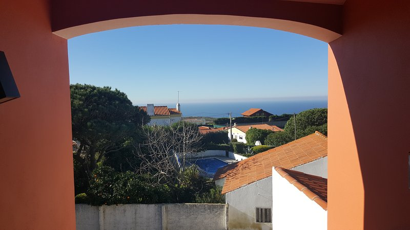 Charming Little Castle, holiday rental in Azoia