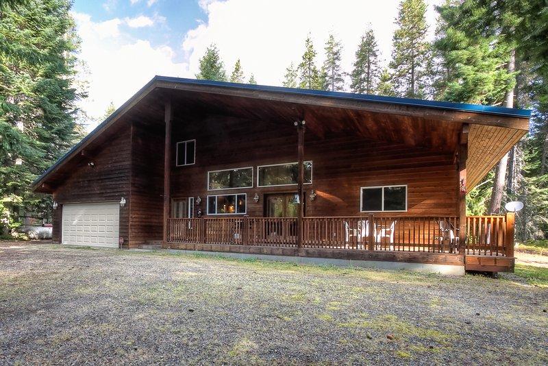 Elk Tracks Lodge, holiday rental in Easton