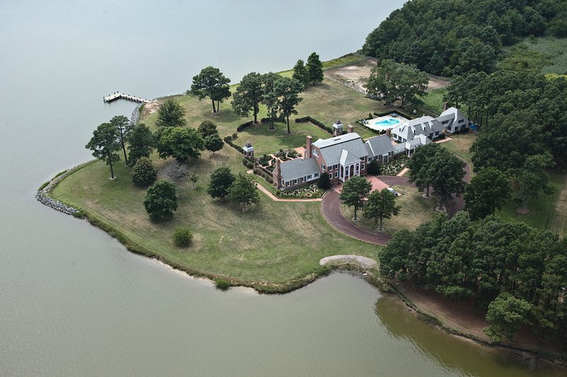 Kingsbay Mansion Ariel View showing how the Bayhouse and Carriage House are all attached.