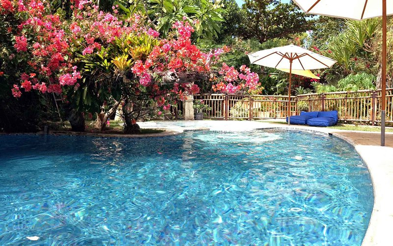 HUGE 4+BR VILLA, 100m to Sanur Beach. Escape to THE VILLA SANUR., location de vacances à Sanur