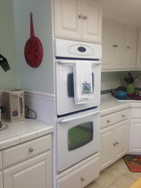 Double oven in kitchen