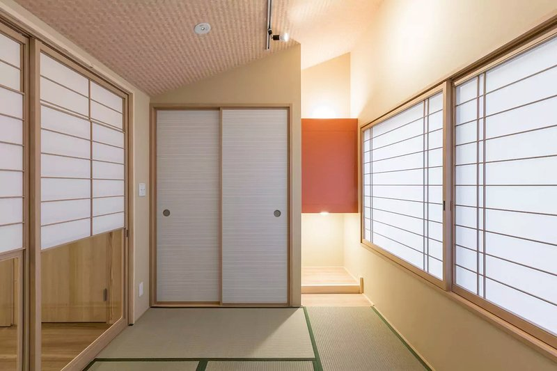 The main bedroom is decorated in traditional Japanese style.