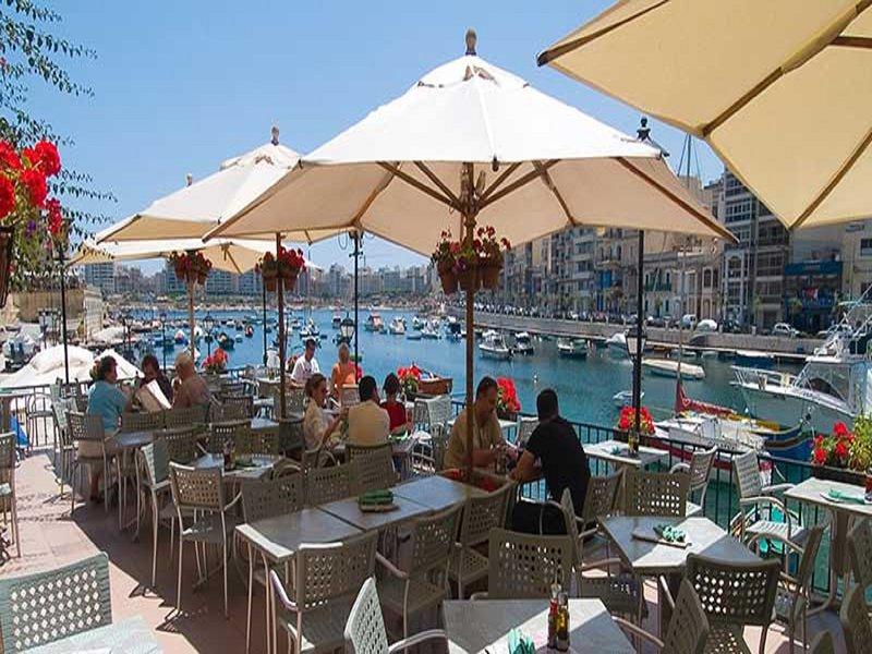 Restaurantes no passeio em Spinola e da baía St.Julians