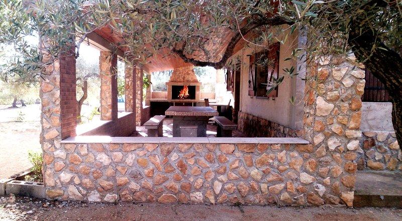 Maison de campagne en Espagne 'Les Oliviers', vacation rental in L'Ametlla de Mar
