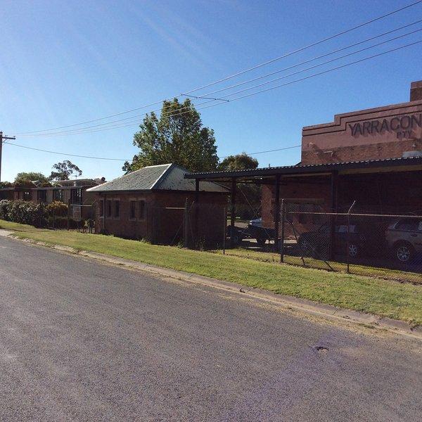 Back Packers/Loft Unit sleeps 6, location de vacances à Neerim South