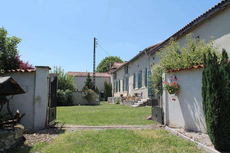 Maison Primevere, vor Bauernhaus