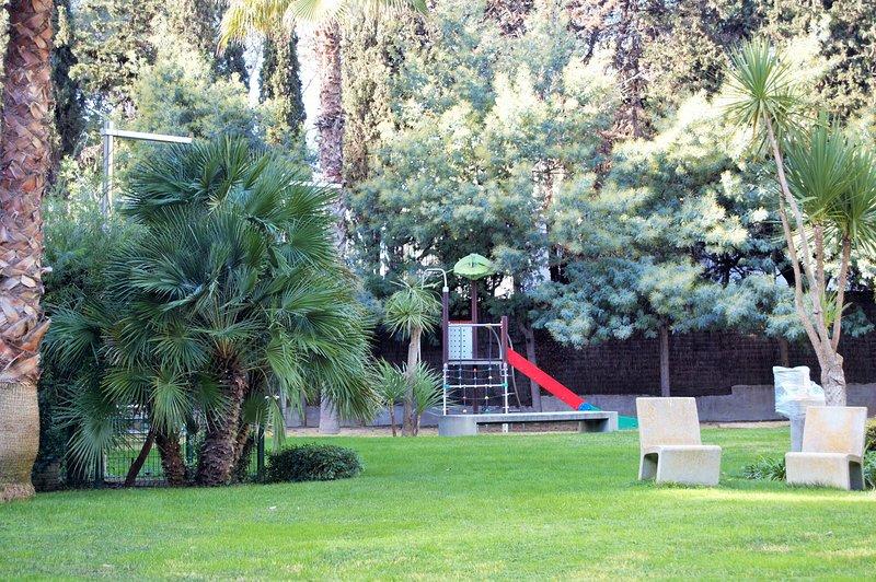 jardins e parque infantil.