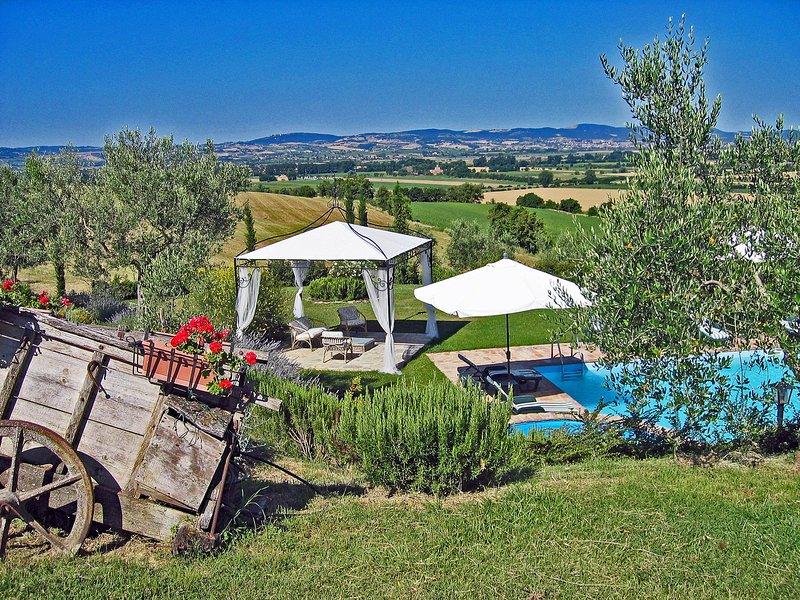 I Girasoli, private villa with 7 bedrooms close to Cortona. Private pool!, location de vacances à Cignano